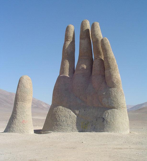 世界上最怪最吸引拍照的雕像!ps.真的有如來佛掌耶!