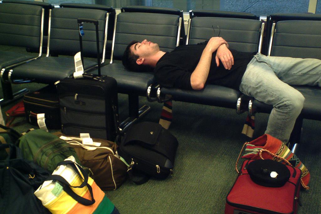 睡在機場指南