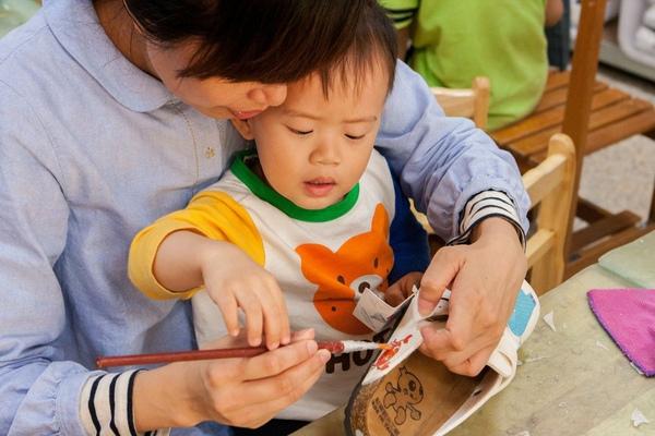 【台中實用親子DIY|鞋寶觀光工廠】同大爺陪媽咪做了一雙勃肯鞋