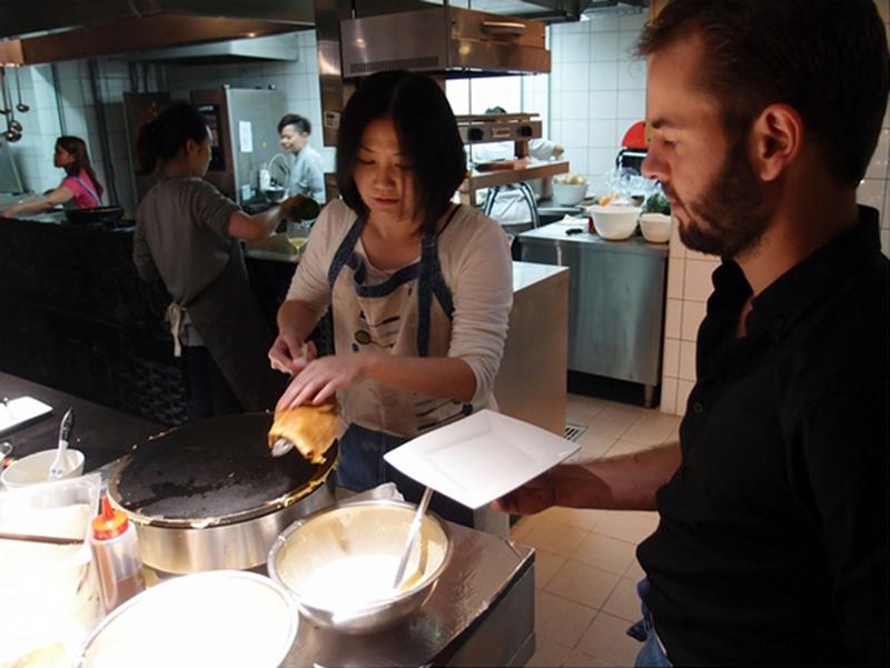《外國人教做菜》在很有質感的Skills 廚藝教室學法式可麗餅