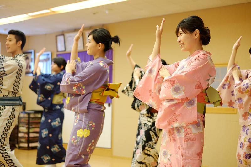 初學者也能輕鬆學會日本舞!(穿浴衣氣質整個倍增阿~)