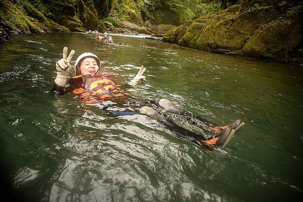 【新北烏來】哈盆溯溪~探索台灣亞馬遜河,來段擁抱自然的冒險奇幻之旅!