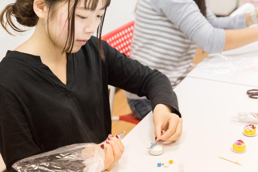 Niceday 黏土教室|黏土蛋糕磁鐵DIY貓咪奶奶簡單教你做可愛的甜點裝飾品!
