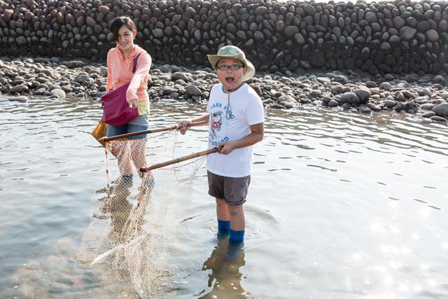 《石滬生態小旅行》苗栗後龍合歡石滬。當一日小小漁夫,體驗石滬捕魚的樂趣