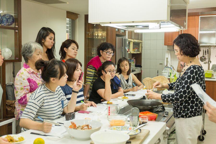 【高雄廚藝教室】請客好廚藝,跟著Laura老師穿美美做泰國菜