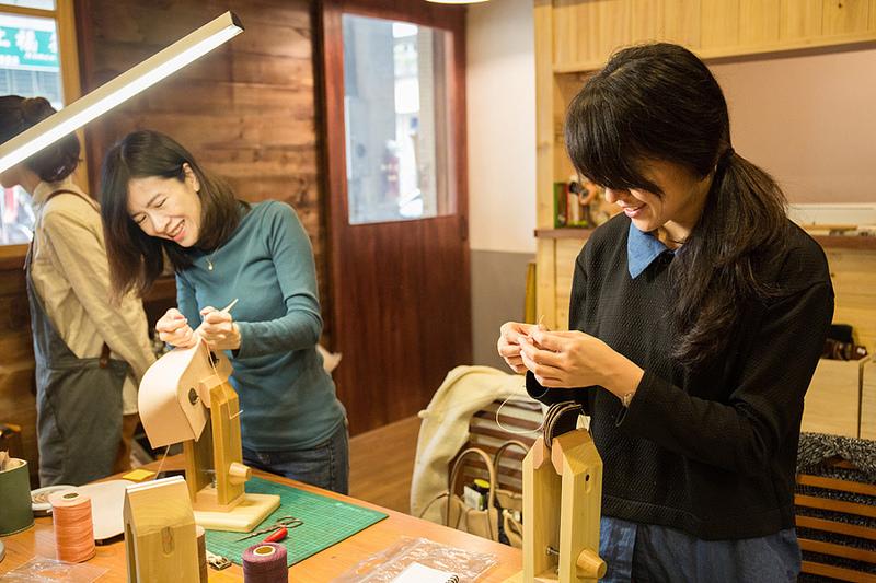 手作皮革日式經典小書包初體驗 真心愛上這皮味❤