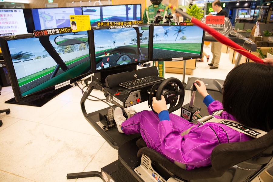 【活動心得】沒有汽車駕照,也能開賽車♥ 賽車模擬訓練教室