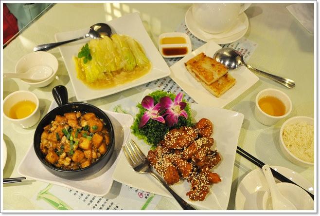 ❤台北美食。1949創料理~招牌脆皮雞必點,鹹魚雞粒豆腐好下飯
