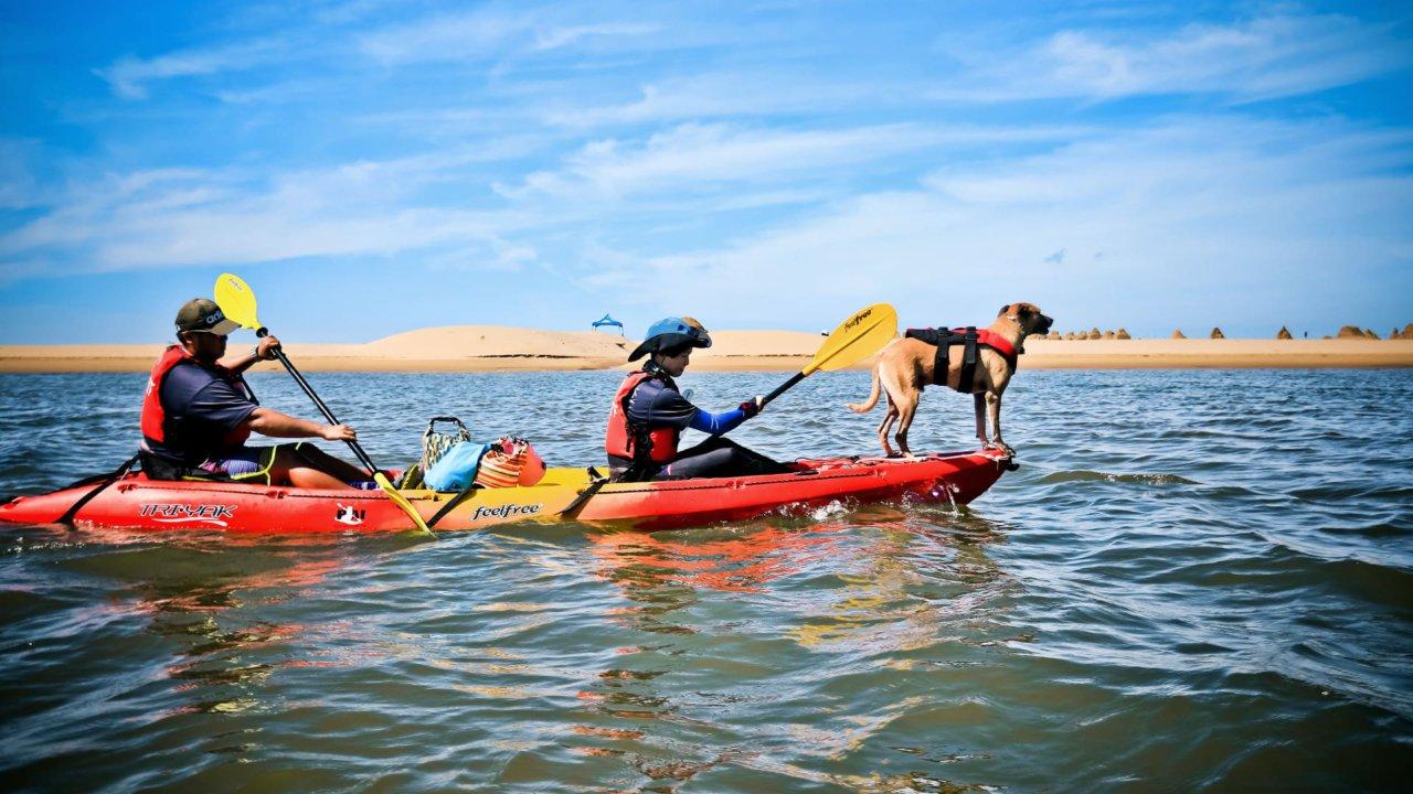 新北福隆雙溪河畔獨木舟