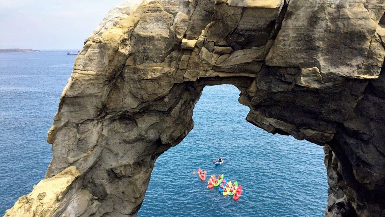 台灣走透基隆象鼻岩C:P 值超高!暢玩獨木舟+免費浮潛!
