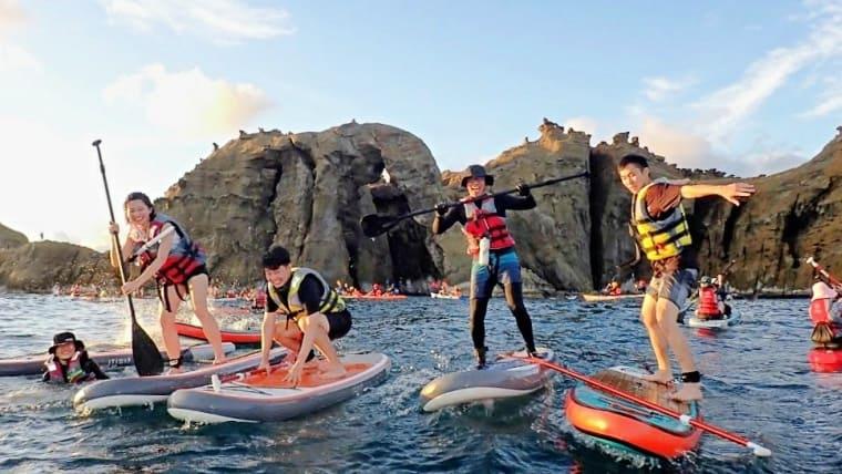 基隆象鼻岩用最夯 SUP 立槳探訪海上大象!