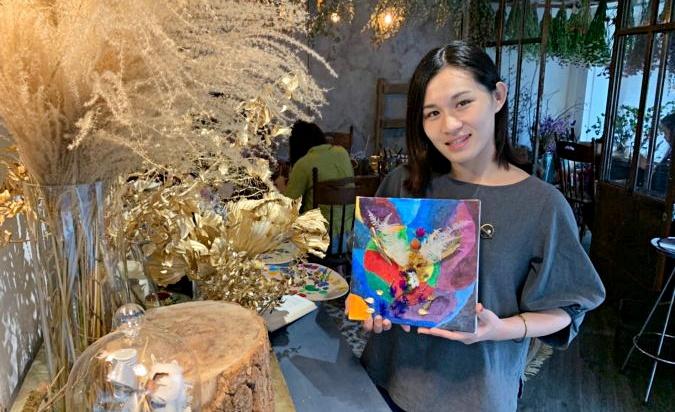 松果手感 – 花藝、繪畫、天使卡的療癒系時光