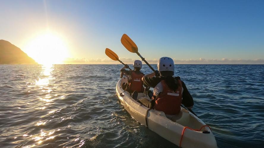 晚餐BBQ,海上看日出!來宜蘭東澳划獨木舟,勇闖烏岩角無人秘境