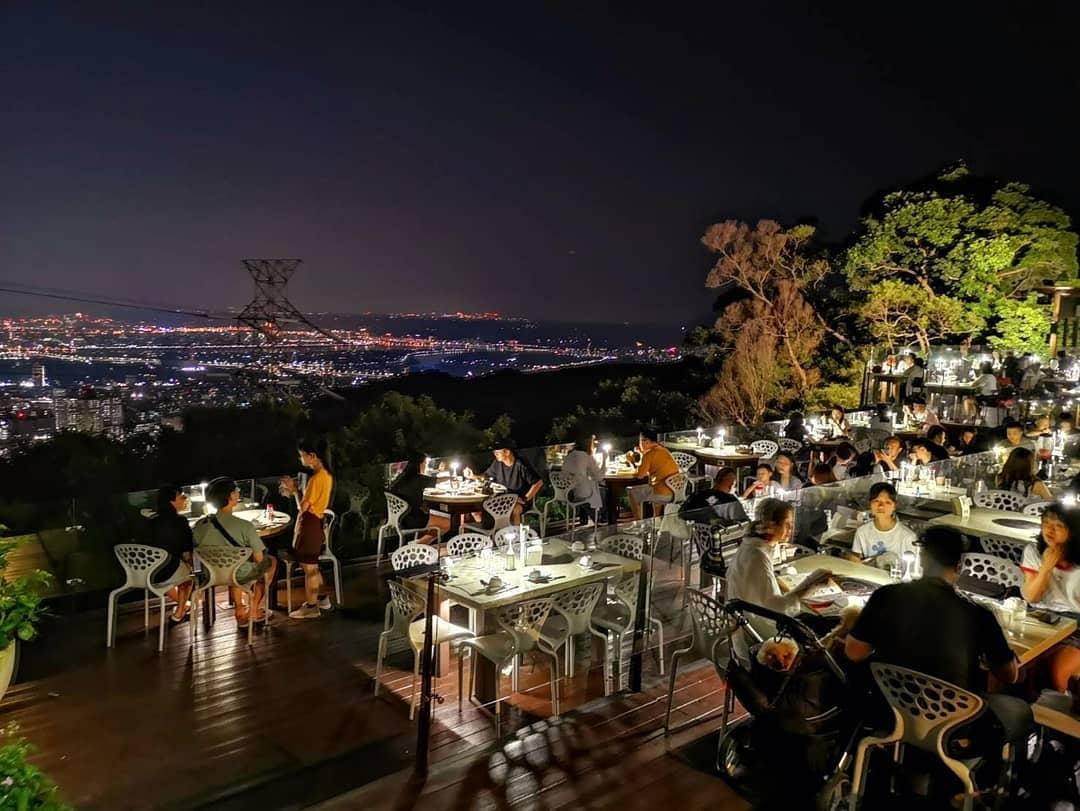八卦夜未眠景觀餐廳夜景