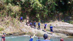 那山那谷漂漂河-教練跳水