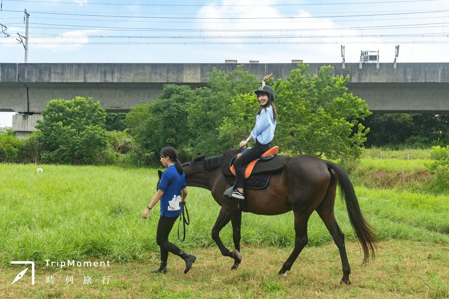 新竹・所羅門馬場|大人小孩都適合的英式優雅 — 馬術初體驗